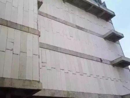 商城外墙采用150mm厚隔墙板