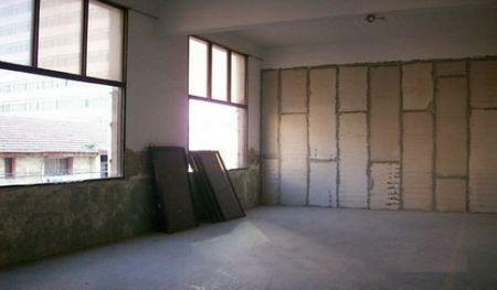 室内隔墙选用9cm厚隔墙板